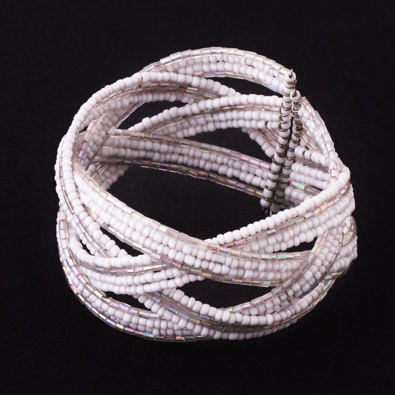 Bead bracelet Ibu Putih