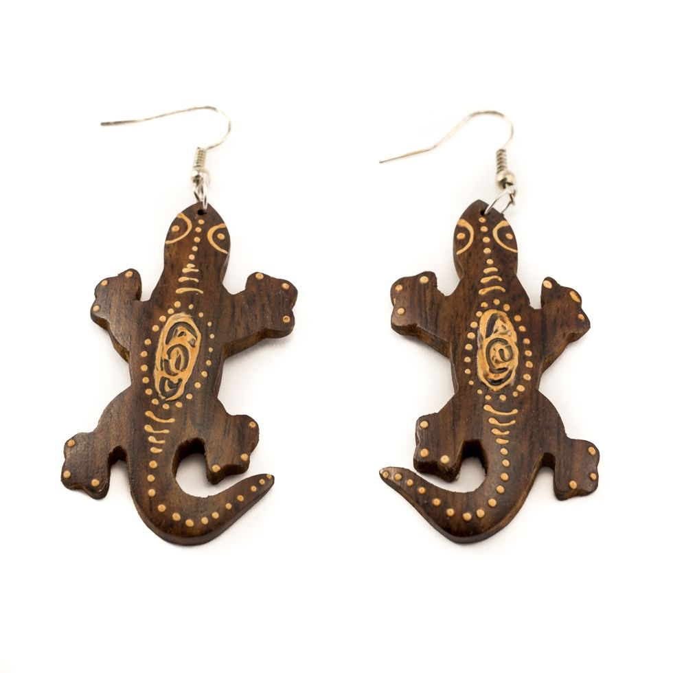 Painted wooden earrings Lizard on vacation