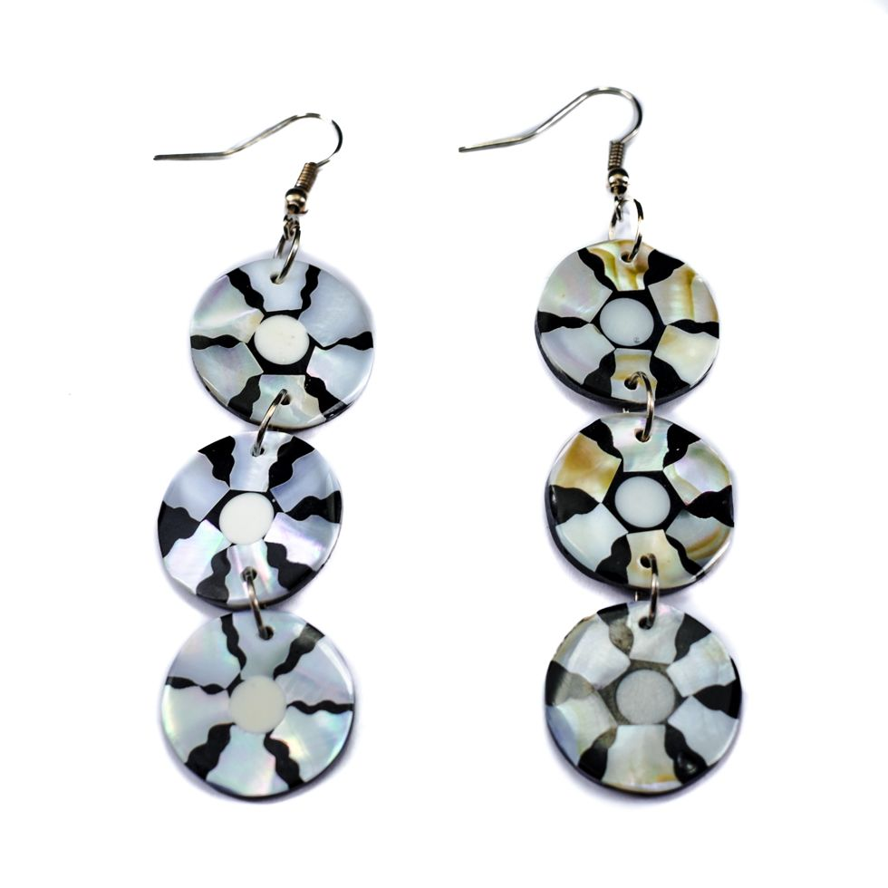 Shell earrings Six discs