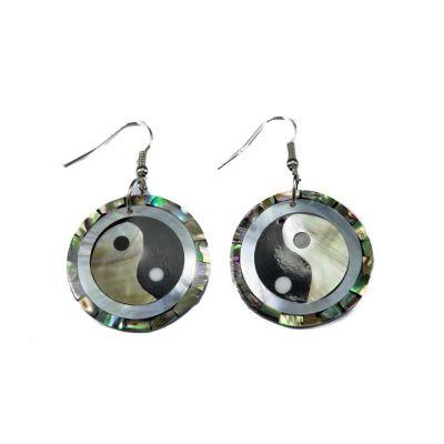 Shell earrings Yin&Yang in a pearl
