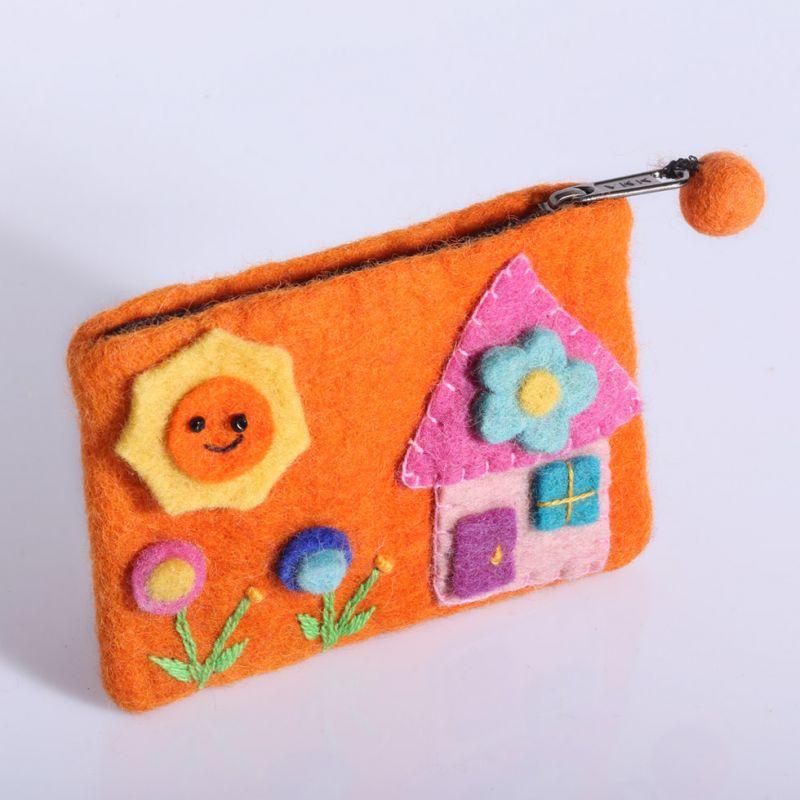 Little felt purse with a house motive Orange