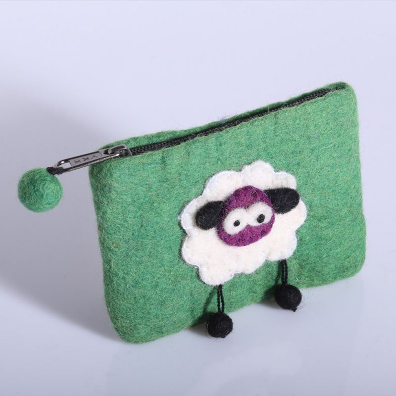 Little felt purse with a sheep