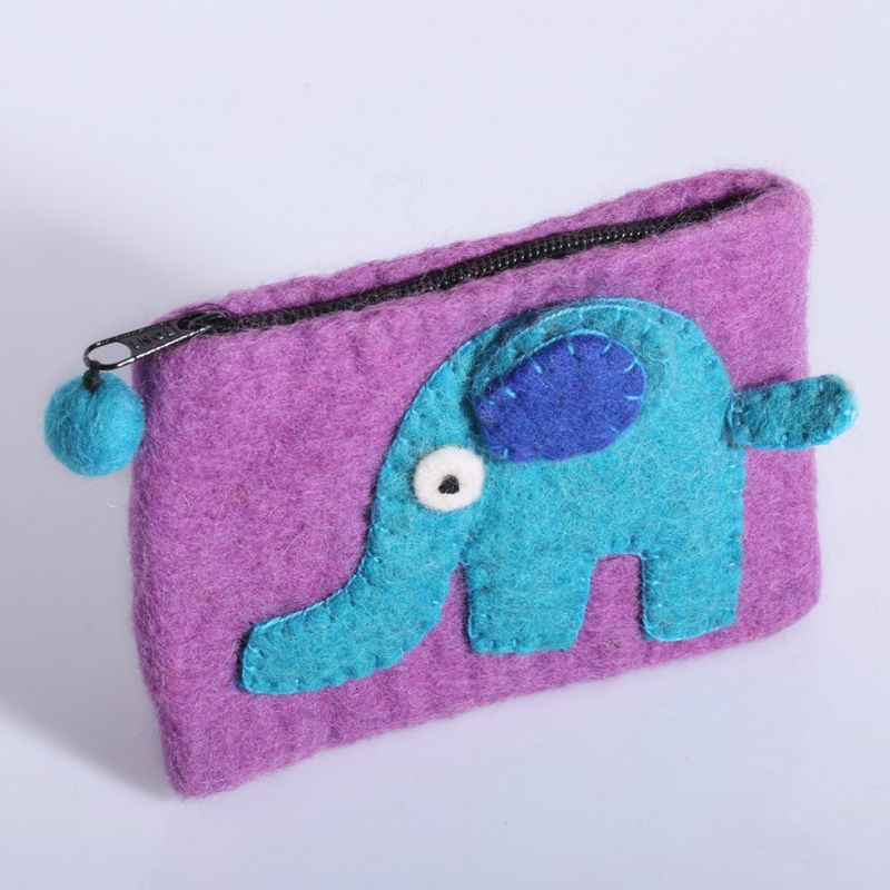 Little felt purse with an elephant