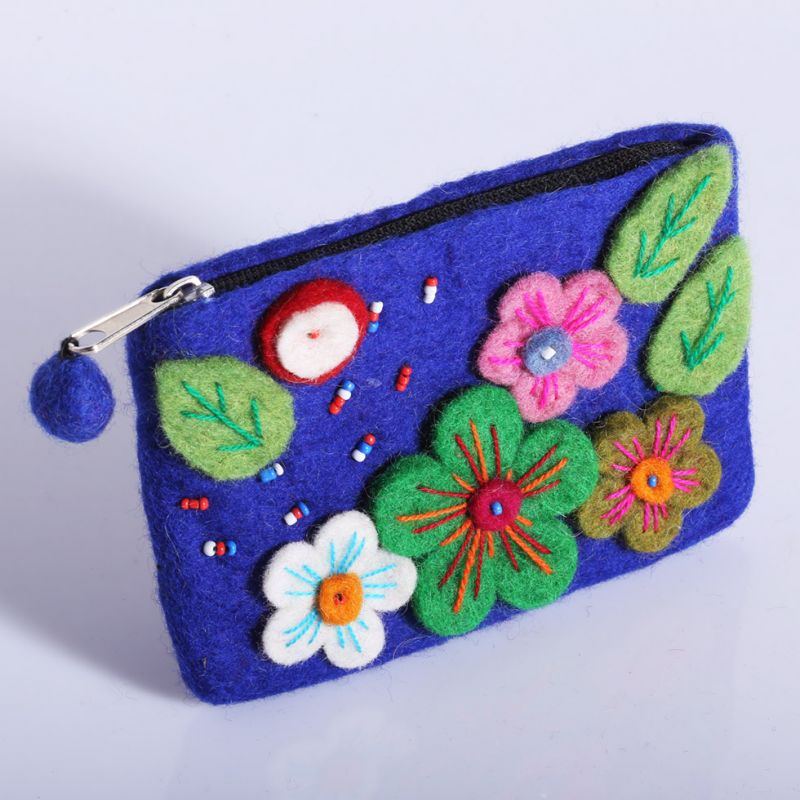 Little felt purse Blossoming meadow