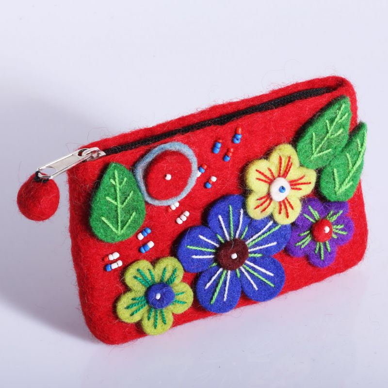 Little felt purse Blossoming meadow Red