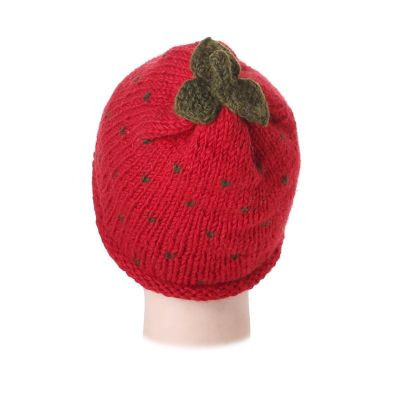 Woolen hat Strawberry without pompons
